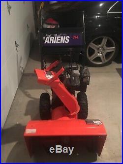 Ariens ST 724 Snowblower