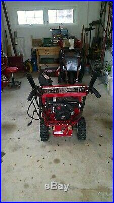 Snow blower, Craftsman, 5.5 hp, 24clearing width with electric start
